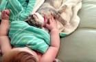 La mamma li riprende mentre dormono, ma quando si svegliano è anche meglio!