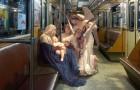 Deze kunstenaar plaatste personages van de klassieke kunst in moderne omgevingen: het resultaat is onvoorstelbaar