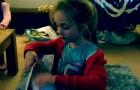Een meisje vult een tas met levensmiddelen: wat ze met deze tas doet is bewonderenswaardig