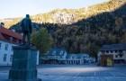 Ecco a voi Rjukan, il paese norvegese che per 6 mesi all'anno è illuminato con degli specchi