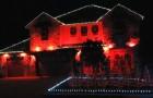 Ca commence avec une maison toute rouge... mais le résultat illumine tout le quartier!