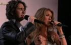 Avevano cantato insieme quando lui aveva 17 anni: il loro duetto è ancora incantevole