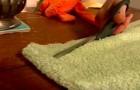 Corta velhas toalhas de banho em tiras: o resultado final é ótimo