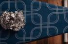 Elle met une feuille d'aluminium sur la planche à repasser: voici une astuce pour gagner du temps ... et de l'argent!