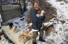 A 61 anni, questa donna coreana ha salvato più di 200 cani destinati al mercato della carne