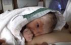 Le bébé salue son papa pour la première fois, mais la façon dont il le fait est... INOUBLIABLE