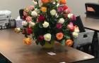 Una vedova riceve un mazzo di fiori, ma il biglietto rivela la più commovente delle sorprese
