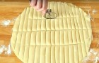 Cut puff pastry dough into strips! --- Discover a great idea for a quick and tasty snack!