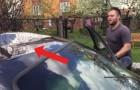 Sa voiture a une grosse bosse, mais la façon dont il la répare est ... magique!