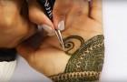 Un tatouage de 7 heures résumées en 90 secondes: la perfection de la conception est hypnotique