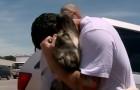Trova un cane durante una missione in Iraq... tornato a casa riceverà una sorpresa stupenda!