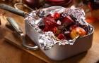 Ecco perché NON bisogna cuocere il cibo nei fogli di alluminio
