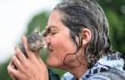 Vous ne croirez jamais ce que cette femme a fait pour sauver un chaton... Wow.