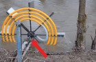 An ingenious way to pump water from a river WITHOUT using electricity!