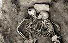 Het romantische aspect van de archeologie: de kus die 2800 jaar