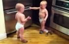 Sprechende Baby-Zwillinge - unglaublich süß :)