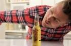 Come aprire una birra senza toccarla