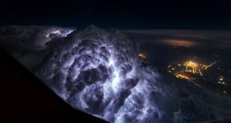 Un pilota di aerei si appassiona alla fotografia: i suoi scatti sono di una bellezza... fantascientifica