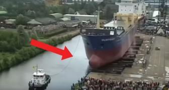 Avez-vous déjà vu le lancement d'un grand bateau? C'est terriblement impressionnant!
