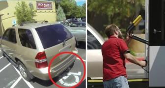 Ze heeft geparkeerd op een gehandicaptenparkeerplaats, maar zal daar al snel spijt van krijgen!