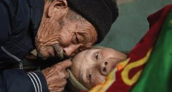 Deze man zorgt 56 jaar lang voor zijn verlamde vrouw. Dat is nog eens ECHT houden van iemand