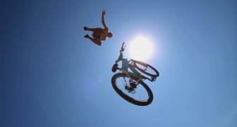 Sprung mit dem Fahrrad aus einer Höhe von 35 Fuß