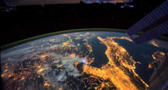 Questo viaggio notturno intorno al pianeta terra vi lascerà senza fiato