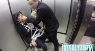 Scherzo dell'ostaggio dentro l'ascensore