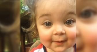 Dit kindje heeft haar wenkbrauwen ontdekt... haar reactie is hilarisch!