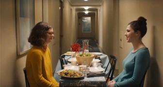 Dieses Video erinnert uns daran, dass die Menschen zusammen essen sollten... ohne Technologie!