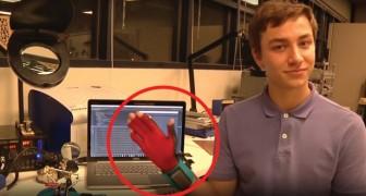 Tramutare la lingua dei segni in parole: questo speciale guanto lo rende possibile