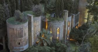 Un architecte transforme une usine de ciment en une maison-bureau aux intérieurs spectaculaires