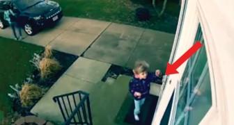 Dit meisje probeert haar huis binnen te gaan, maar wordt tegengehouden door... de WIND!