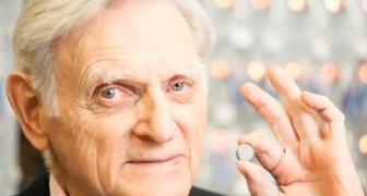 Op zijn 94ste komt de uitvinder van de lithiumbatterij met een nieuwe batterij die nog veel krachtiger is.