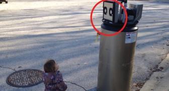 En flicka och en robot: de försöker bli vänner och det är underbart