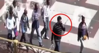 7 ladri stanno mettendo in atto il furto perfetto: tenete d'occhio l'uomo nel cerchio