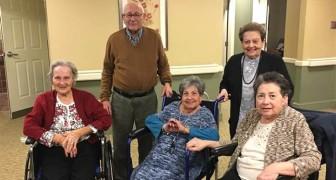 Heureux dans la même maison de retraite: la promesse maintenue de cette famille est une preuve d'amour
