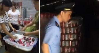 Esta fabrica china produce latas de cerveza falsas de una marca muy conocida