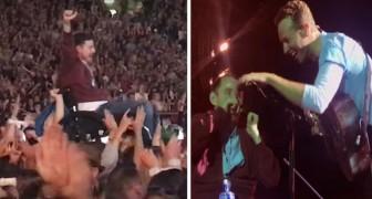 Al concerto dei Coldplay un ragazzo in sedia a rotelle raggiunge il palco: il duetto che segue è magico