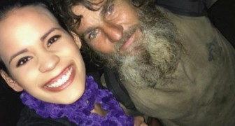 Un senzatetto l'avvicina per chiederle dei soldi, ma alla fine è la ragazza a ricevere un aiuto inaspettato