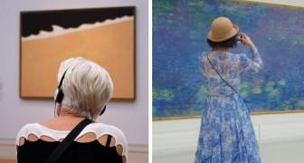 Passa ore nei musei per fotografare visitatori abbinati ai quadri: il risultato vale l'attesa