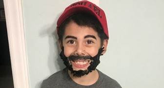 Il choisit un costume mais personne ne comprend en quoi il s'est déguisé: l'idée de cet enfant est touchante