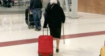 A 93 anni prende un volo per il Kenya e ci insegna che per vivere serve 'un pizzico di incoscienza'