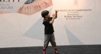 Il fenomeno di 6 anni con lo Yo-yo