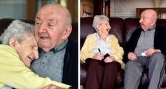 Een moeder van 98 jaar verhuisd naar het rusthuis om voor haar 80-jarige zoon te zorgen