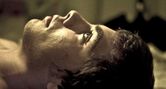 Vous avez du mal à dormir ? Oubliez les cachets : cette tisane naturelle est plus efficace et plus saine