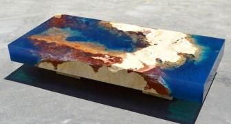 Questo tavolino in pietra naturale e resina porterà l'Oceano direttamente nel vostro salotto