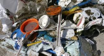 Il Regno Unito si prepara a mettere al bando cannucce, cotton fioc ed altri oggetti di plastica usa e getta