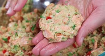 Queste polpette di salmone, cipolla e peperoni diverranno il vostro piatto di pesce preferito
