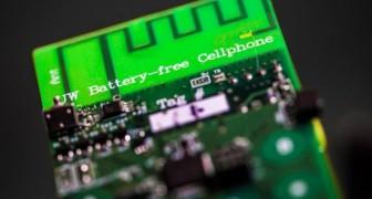 I ricercatori hanno creato il primo cellulare che funziona senza batteria